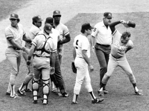 George Brett protesting the pine tar call after his 2-run home run was ruled an out.  (Getty Images)