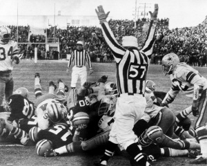 "The Packers Bart Starr's game winning QB sneak to win the ""Ice Bowl"" (Getty Images)"